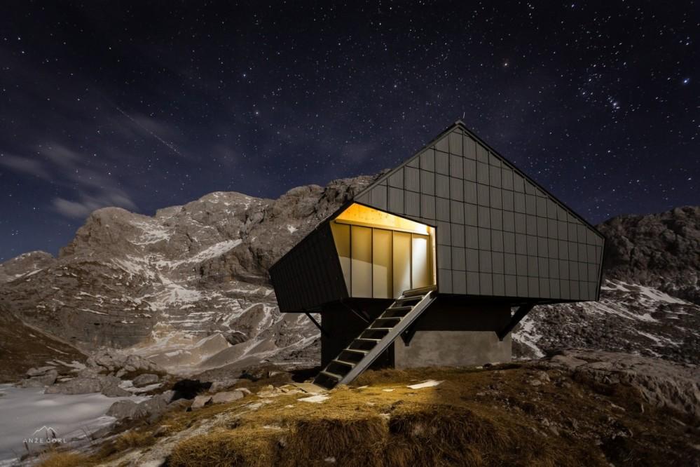 architecture_alpineshelter_bivaknaprehodavcih_premicaarchitects_2-1340x893