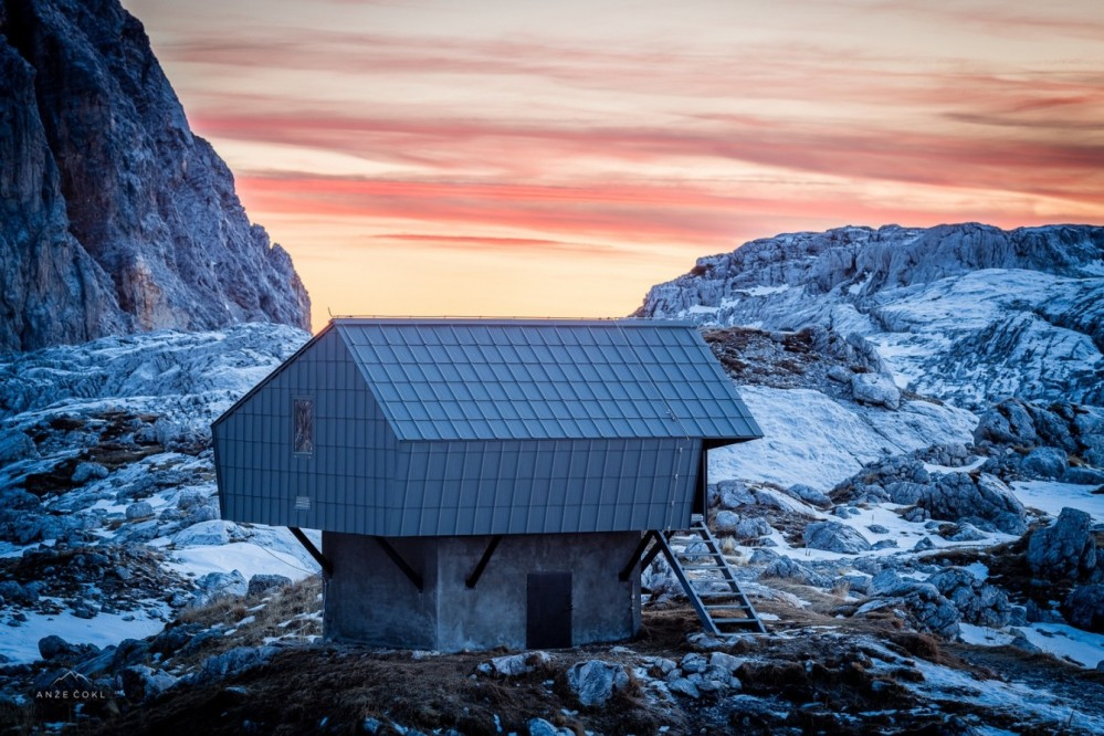 architecture_alpineshelter_bivaknaprehodavcih_premicaarchitects_5-1340x893